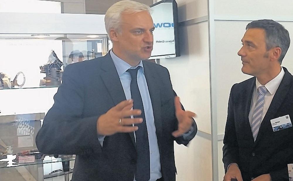 Minister visits Pieron